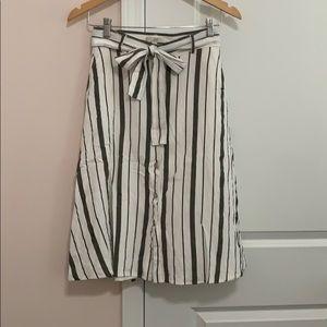 Ann Taylor Loft Mid length Skirt Size 4